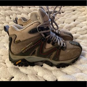 Merrell Reactor mid hiking boots size 6 GUC